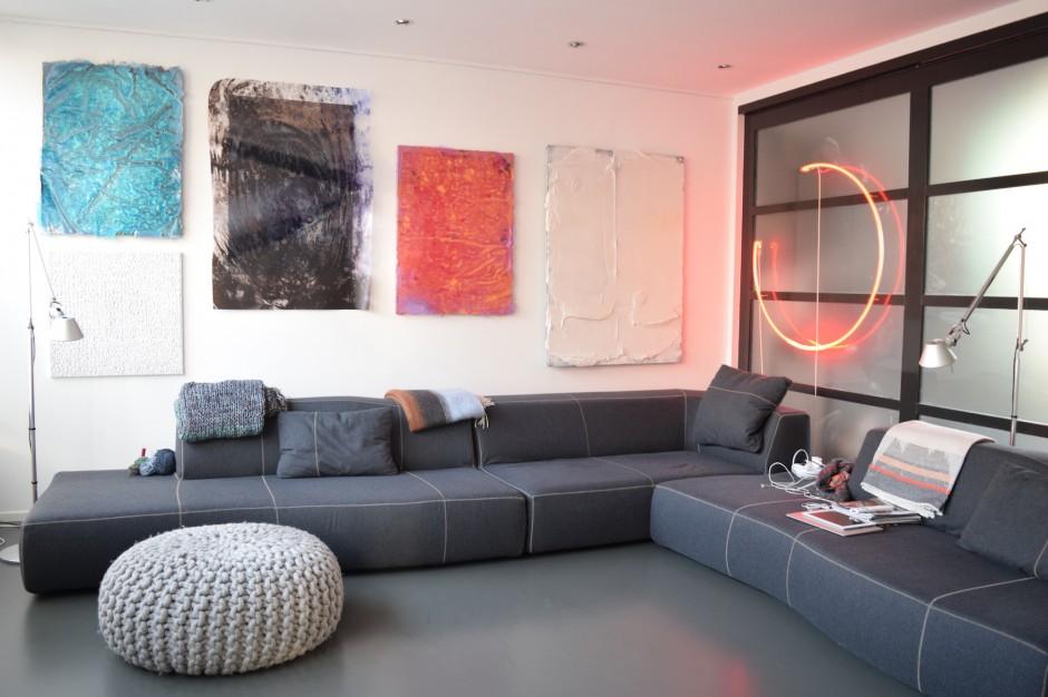 Home interior with works by Juliaan Andeweg, Jerry Keizer, Thomas van Linge, Juliaan Andeweg, Florian & Michael Quistrebert, Navid Nuur, from left to right. Courtesy of Henk Drosterij.