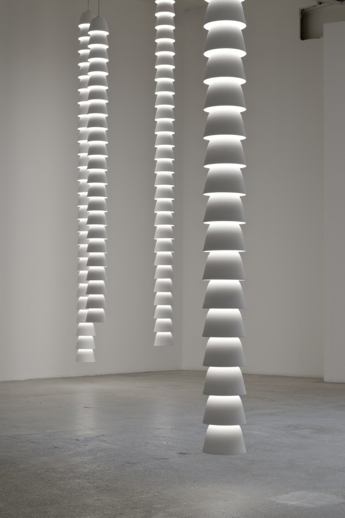 """Chaines"", Ronan & Erwan Bouroullec. ©Michel Giesbrecht _ Courtesy Galerie kreo"