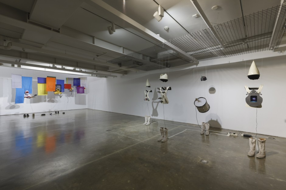"""Jumpet Kuswidananto, """"The Third Realm (Venice Series)"""", Installation of four figures, Video and drums, 2011. Part of Tom Tandio's collection was exhibited in Seoul. Photo credit: SongEun ArtSpace."""