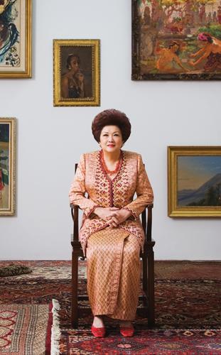 Portrait of Poppy Hadiman Setiawan at her home in Jakarta. Photo by Leonardi Portraiture, Jakarta. Courtesy ArtAsiaPacific.