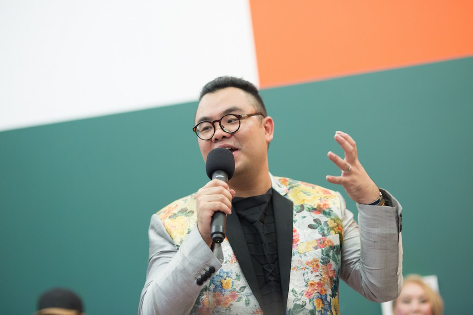 Ryan Su speaking at exhibition, Andy Warhol: Social Circus. Courtesy of The Ryan Foundation.