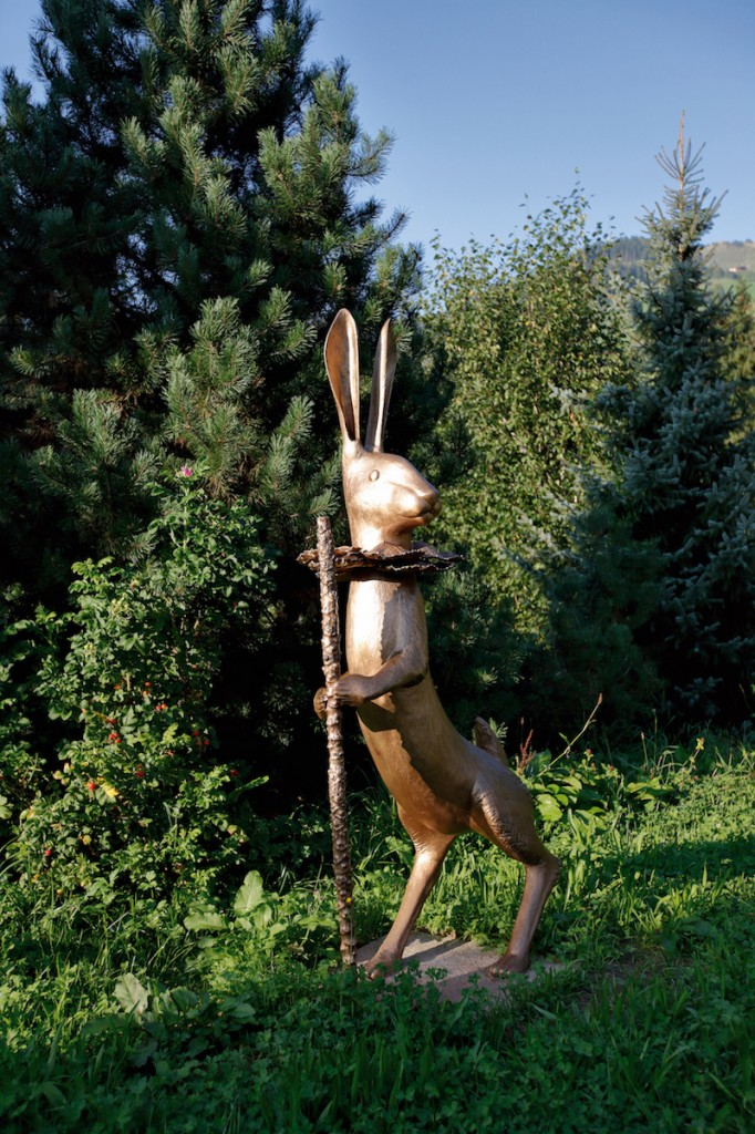 Claude Lalanne, Grand Lapin de Victoire, 2001, Heidi Horten Collection. Courtesy of Heidi Horten Collection.