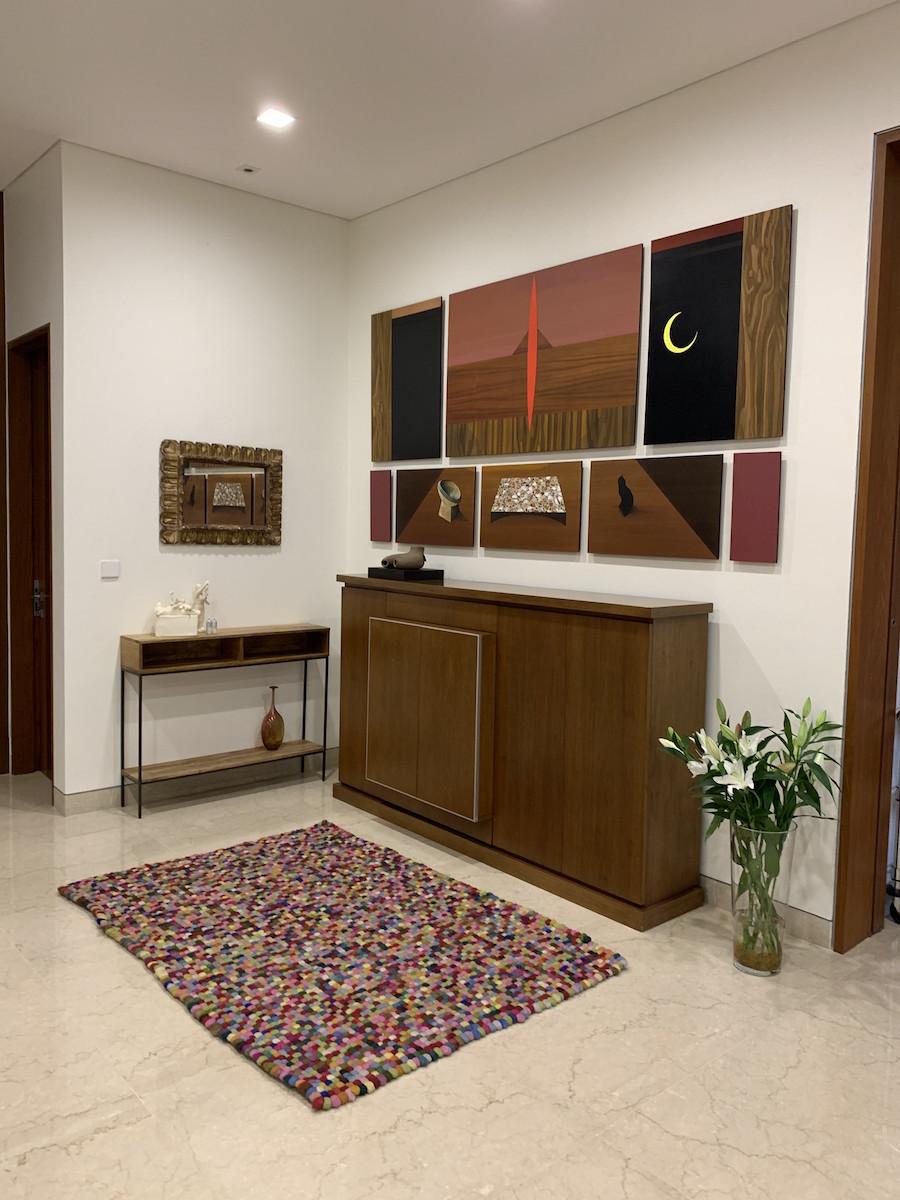 Artworks by Jordan Maclachlan, Hulda Guzman and Gala Porras-Kim. Courtesy of Benedicta M. Badia de Nordenstahl.