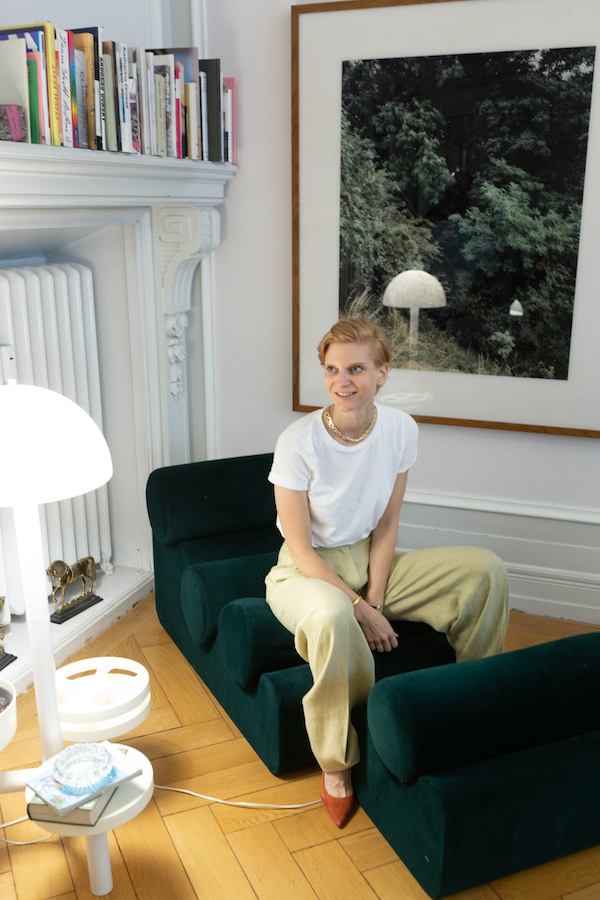 Johanna Gräfling in front of Andreas Gursky. Photo: Lotte Thor. Courtesy of Johanna & Friedrich Gräfling.