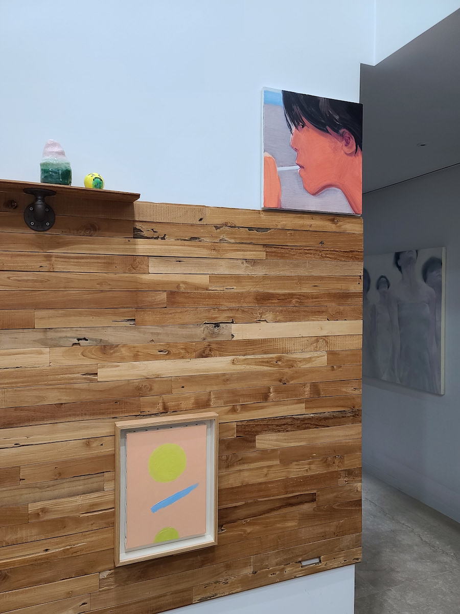 A corner highlighted by art pieces by Park Kyung-Ryul, Laura Owens, Park Hae-sun, Etel Adnan, and Yiji Jeong. Courtesy of Lee Soyoung.