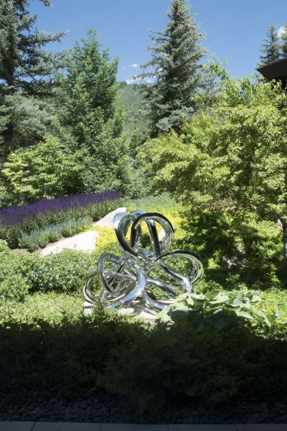 A piece by Saint Clair Cemin installed in the garden. Photo: Emily Hoerdemann. Courtesy of Amy Phelan.