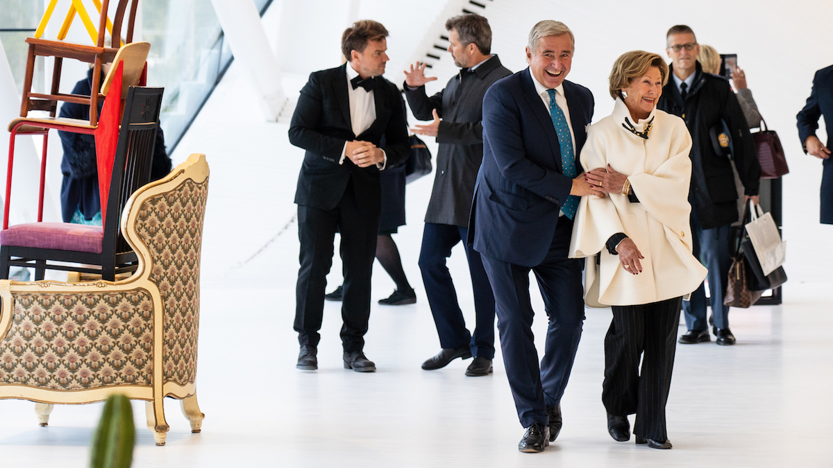 Her Majesty Queen Sonja of Norway and Christen Sveaas, His Royal Highness Crown Prince Frederik (left-hand side to the right) and architect Bjarke Ingels (left-hand side to the right). Photo credit: Lars Erik Skrefsrud. Courtesy of Christen Sveaas.