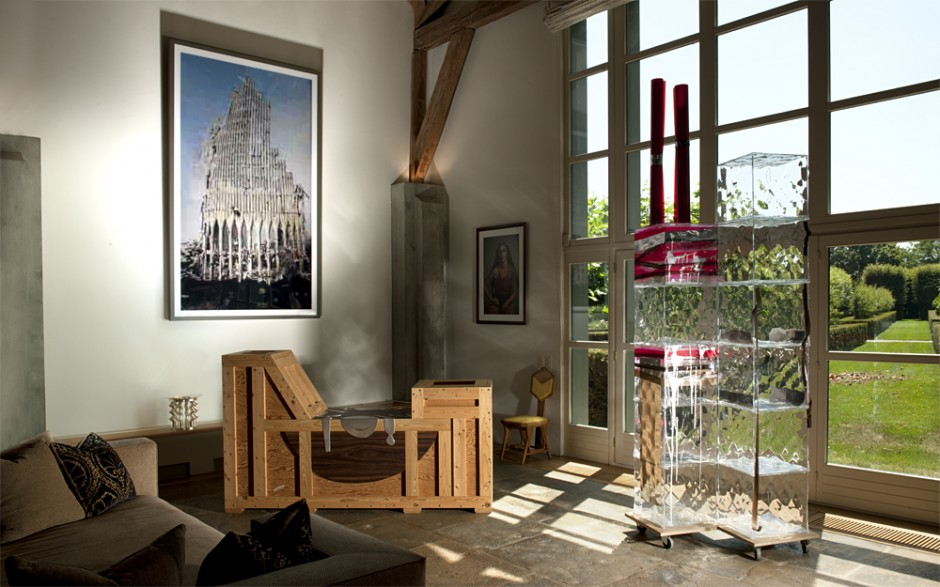 The Syz residence in Geneva with artworks by Cindy Sherman, Isa Genzken, Richard Artschwager and Thomas Ruff. The Syz Collection.