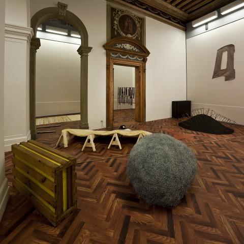When Attitude Become Form: Bern1969/ Venice 2013 – veduta della mostra presso la Fondazione Prada, Ca' Corner della Regina, Venezia 2013 www.artribune.com