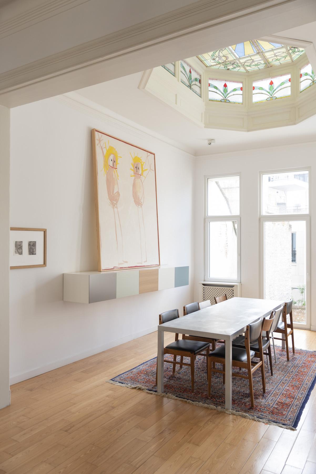 The kitchen with work by Fabrice Samyn and Andi Fischer. Photo: Alexandra Bertels. Courtesy of Joris Beernaert.