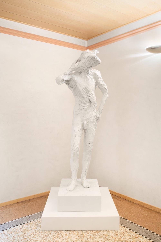 A sculpture by David Altmejd. Courtesy of Mauro De Iorio.