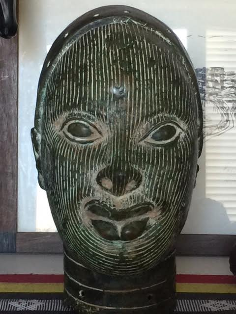 The head in brass-zinc probably from Benin. Courtesy of Onofre Santos.