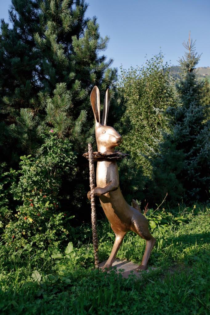 Claude Lalanne, Grand Lapin de Victoire, 2001, Heidi Horten Collection. Courtesy of Heidi Horten Collection.
