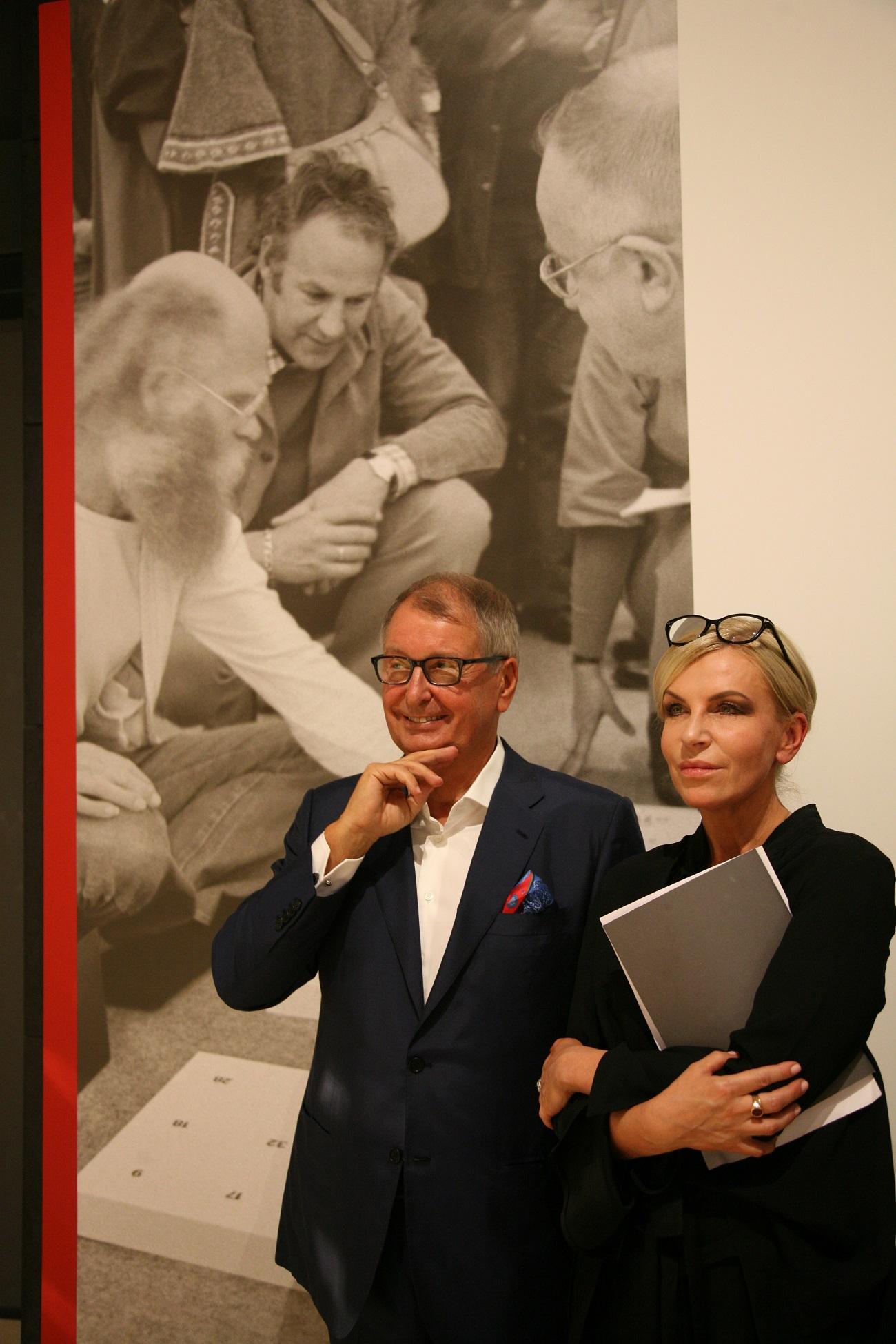 Jerzy Starak and Ania Muszyńska, Spectra Art Space curator, at the opening of Ryszard Winiarski exhibition in Warsaw. Courtesy of Starak Family Foundation.