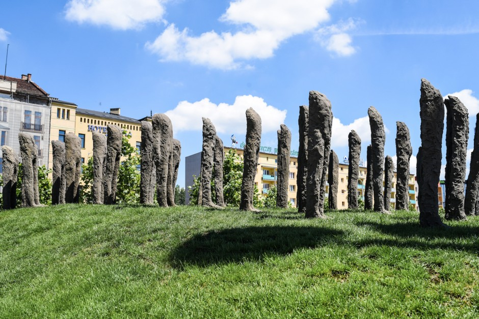 Magdalena Abakanowicz, 'Bambini' (aerial view 1), 1998-1999. Courtesy of the artist estate and European ArtEast Foundation.
