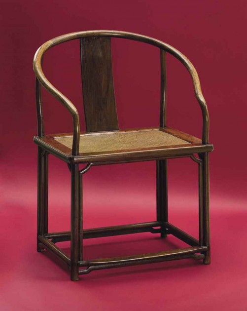 a_rare_large_huanghuali_continuous_horseshoe-back_armchair_quanyi_17th_d6019169g